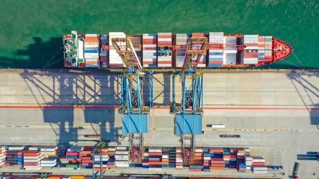 tengeri konténeres szállítás